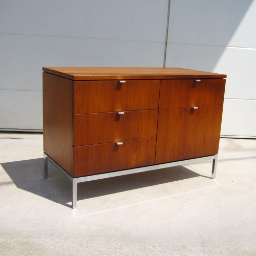 FLORENCEKNOLL ExecutiveOfficecabinet:Credenza1