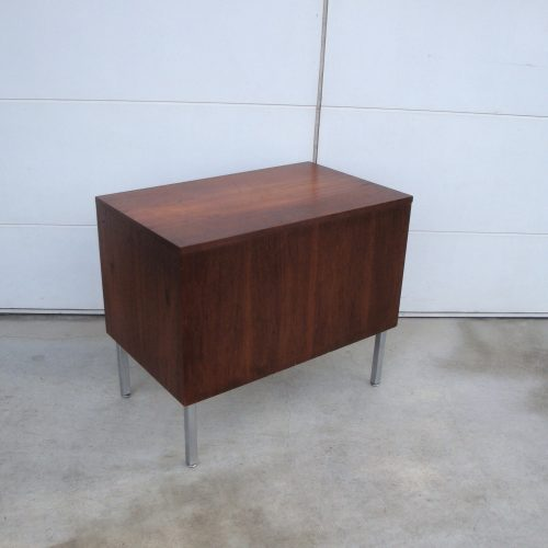 georgenelsontypewritertable9060woodhermanmiller-1